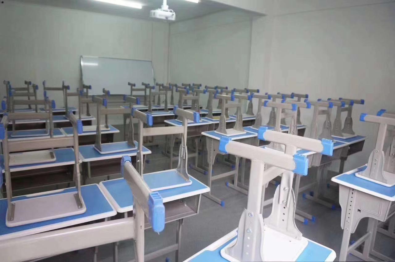 暑期将近,一叶草教育拥有七层独栋场地,软硬件设施齐