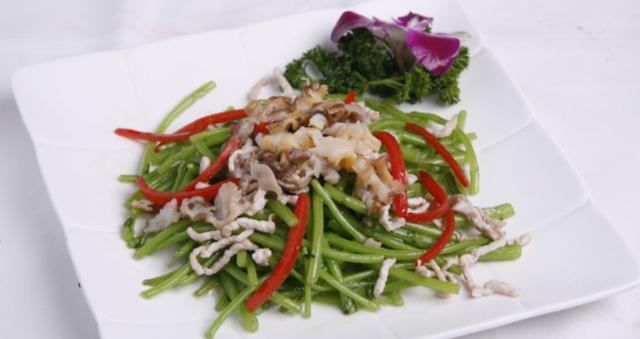精選美食:茄子,冬筍,茼蒿,豆腐的做法