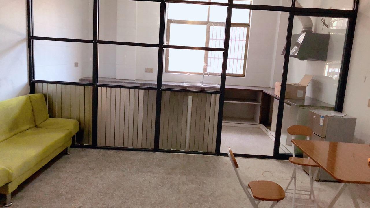 园区龙山学校附近一室一厅一厨一卫出租 拎包入住
